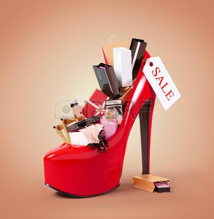 26044497-achats-de-mode-dans-la-chaussure-de-femme-vente